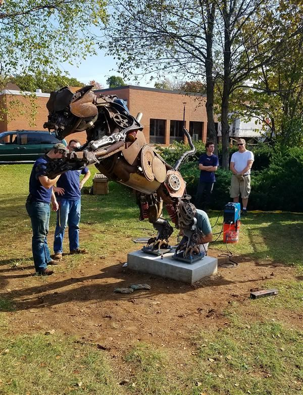 "CHS Installs ""Pouncing Cougar"" Metal Sculpture Crafted By 2017 Graduate"
